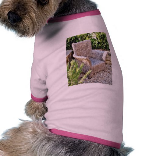Muebles de la silla de la cesta camiseta de perro