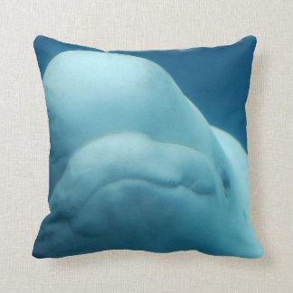 Mueca de la ballena de la beluga cojin