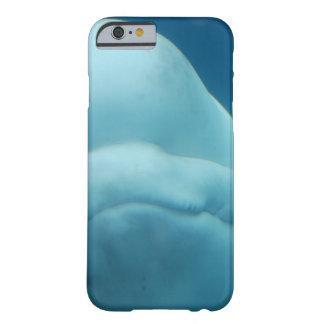 Mueca de la ballena de la beluga funda de iPhone 6 barely there