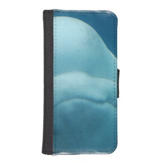 Mueca de la ballena de la beluga fundas cartera para teléfono