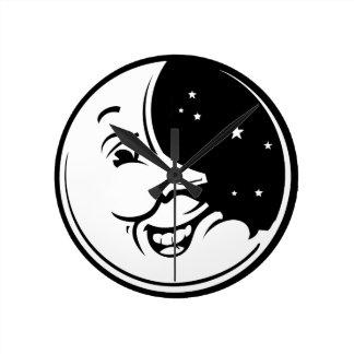 Mueca de la luna reloj