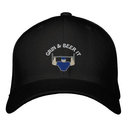 Mueca y cerveza bordó el casquillo gorra de béisbol