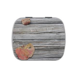 muelle de madera de dos hojas del seagrape latas de dulces