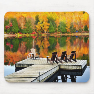 Muelle de madera en el lago autumn alfombrilla de raton