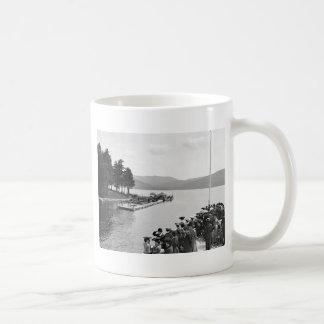 Muelle de Sagamore, lago George: 1904 Taza De Café