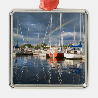 Muelle del barco en la fotografía del puerto adorno navideño cuadrado de metal