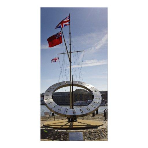 Muelle del St Katherines del reloj de sol Tarjeta Personal Con Foto
