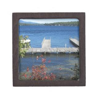 Muelle fresco de la playa de los vertederos cajas de recuerdo de calidad