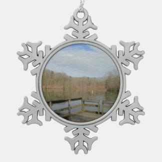 Muelle resistido adorno de peltre en forma de copo de nieve