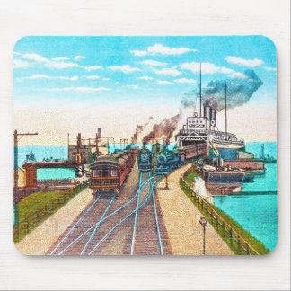 Muelles de transbordador del ferrocarril Mackinaw Tapete De Ratón
