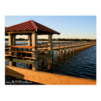 Muelles del puerto deportivo tarjetas postales
