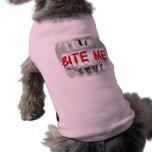 Muérdame sangre y camisa del perro de los dientes playera sin mangas para perro