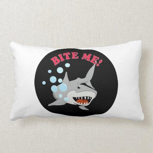 Muérdame tiburón almohadas