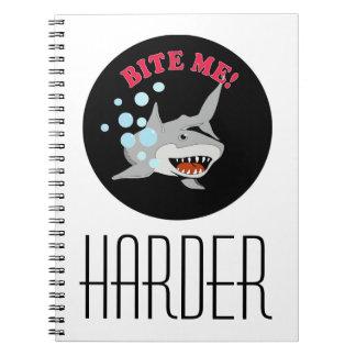 Muérdame tiburón libro de apuntes con espiral