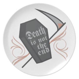 Muerte no el extremo platos de comidas