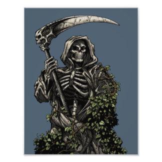 Muerte - parca esquelético malvado con la guadaña arte con fotos