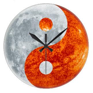 Muestra asiática de Yin y de Yang para el reloj de