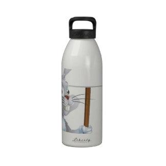 Muestra blanca del conejo de conejito de pascua botellas de agua reutilizables