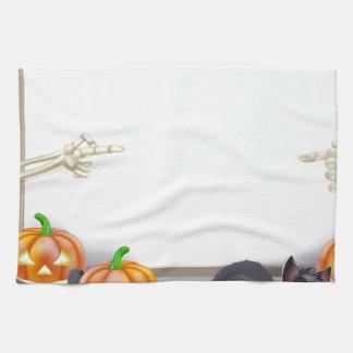 Muestra de Halloween con el esqueleto y la momia Toalla De Cocina