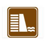 Muestra de la carretera de la presa o del depósito postal