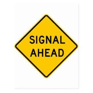 Muestra de la carretera de la señal a continuación postal