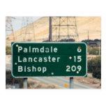 Muestra de la carretera en CA-18 fuera de Palmdale Tarjetas Postales