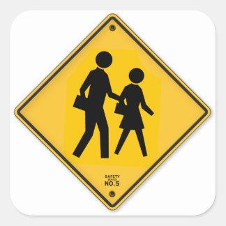 Muestra de la escuela de la seguridad del paseo de pegatina cuadrada
