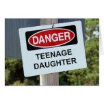 Muestra de la hija adolescente del peligro felicitaciones