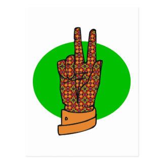 Muestra de la mano de la paz de los años 60 y de postal