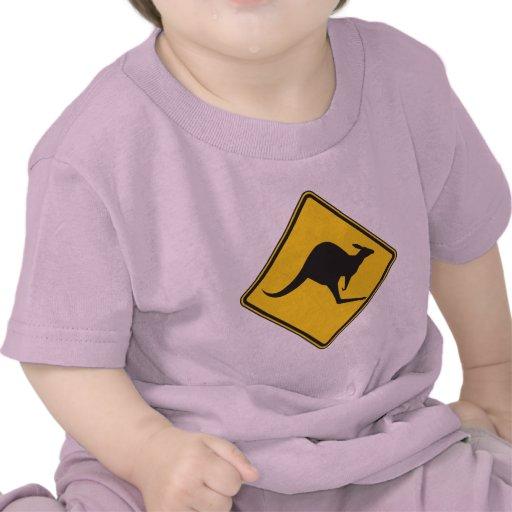 Muestra de la precaución del canguro camisetas