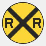 Muestra de la travesía de ferrocarril pegatina redonda
