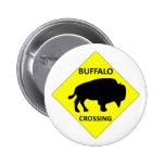 Muestra de la travesía del búfalo pins