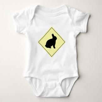 Muestra de la travesía del conejo body para bebé