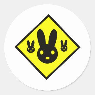 Muestra de la travesía del conejo de conejito pegatina redonda