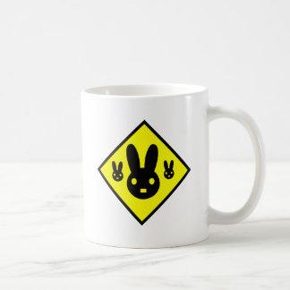 Muestra de la travesía del conejo de conejito taza de café