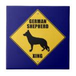 Muestra de la travesía del pastor alemán (XING) Azulejo Ceramica