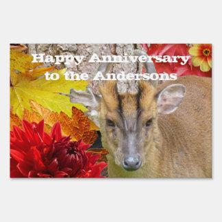 Muestra de la yarda, ciervo feliz del bosque del a cartel
