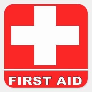 Muestra de los primeros auxilios del rojo pegatina cuadrada