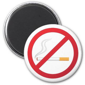 Muestra de no fumadores con un cigarrillo que fuma imán redondo 5 cm