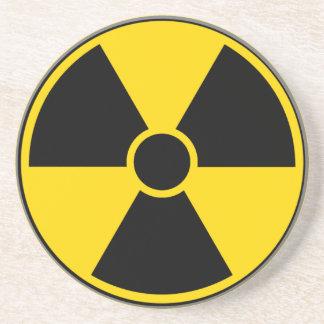 Muestra de peligro de radiación posavasos personalizados