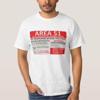 Muestra del área 51 camisas