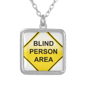 Muestra del área de la persona ciega colgante cuadrado