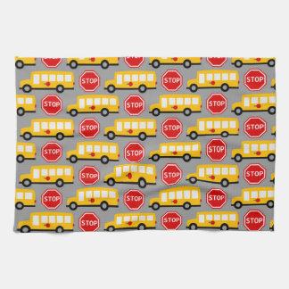 Muestra del autobús escolar y de la parada toallas de cocina