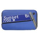 Muestra del bulevar de la puesta del sol contra un iPhone 3 tough protectores