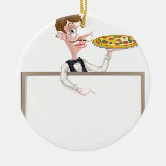Muestra del camarero de la pizza adorno navideño redondo de cerámica