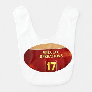 muestra del firetruck 17 de las operaciones baberos para bebé