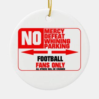 Muestra del fútbol del estacionamiento prohibido adorno navideño redondo de cerámica