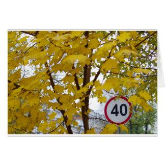 Muestra del límite de velocidad del camino en una tarjeta de felicitación