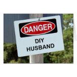 Muestra del marido del peligro DIY Felicitacion