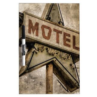 Muestra del motel de la estrella del Grunge del Pizarras Blancas